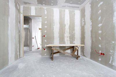 Как выровнять стены в квартире